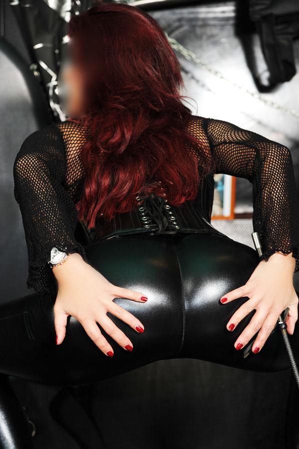 lady leyla frankfurt spanking geschichte